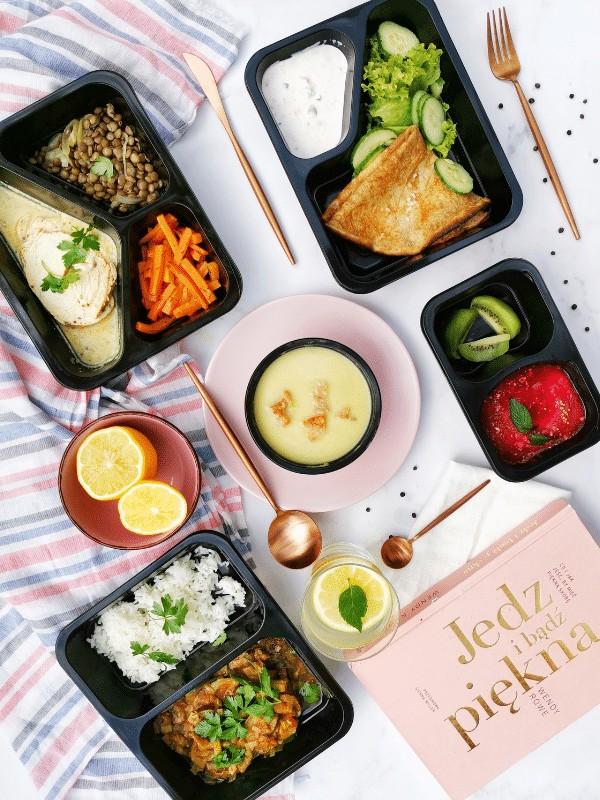 Zestaw posiłków z cateringu dietetycznego Codziennie FIT