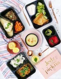 Zestaw posiłków cateringu dietetycznego Codziennie FIT